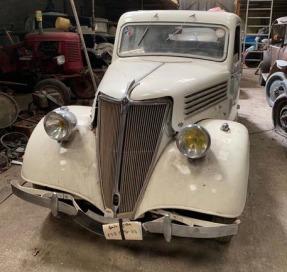 1937 Renault Celtaquatre