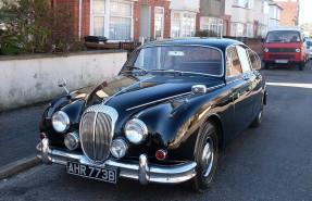 1964 Daimler V8 250