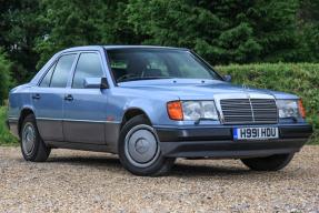 1990 Mercedes-Benz 260E