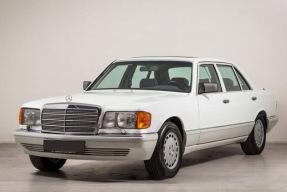 1990 Mercedes-Benz 560 SEL