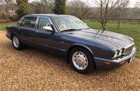 1999 Daimler V8