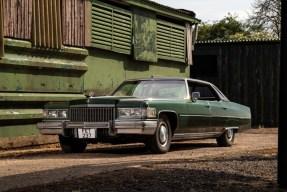 1975 Cadillac Sedan de Ville