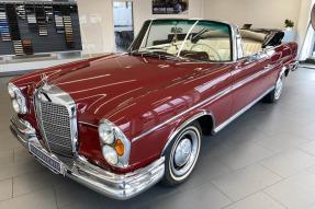 1964 Mercedes-Benz 220 SEb Cabriolet