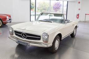 1965 Mercedes-Benz 230 SL