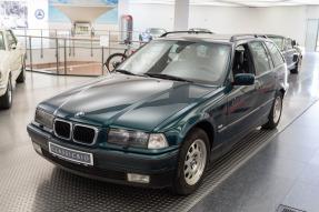 1998 BMW 320i