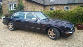 1998 Daimler V8